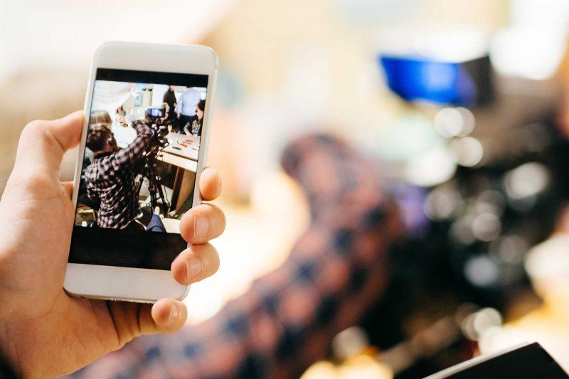 Seminare im Bereich Online Journalismus lehren Sie den Umgang mit digitalen Medien. Ob Smartphone oder soziale Netzwerke - Referenten von ProContent zeigen Ihnen den Umgang mit der digitalen Welt.