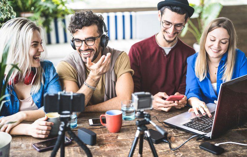 ProContent bietet Volontärskurs für Radiojournalisten an, um zukünftige Redakteure mit der Arbeit am Mikrofon vertraut zu machen.